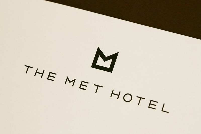 The-Met-Hotel-logo-1024x682