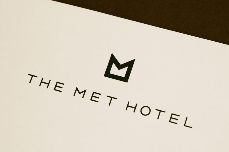 The-Met-Hotel-logo-1024x682